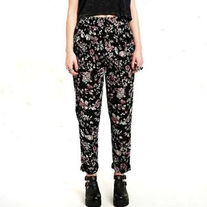 Urban Outfitters Kimchi Blk Floral Jogger Pants S